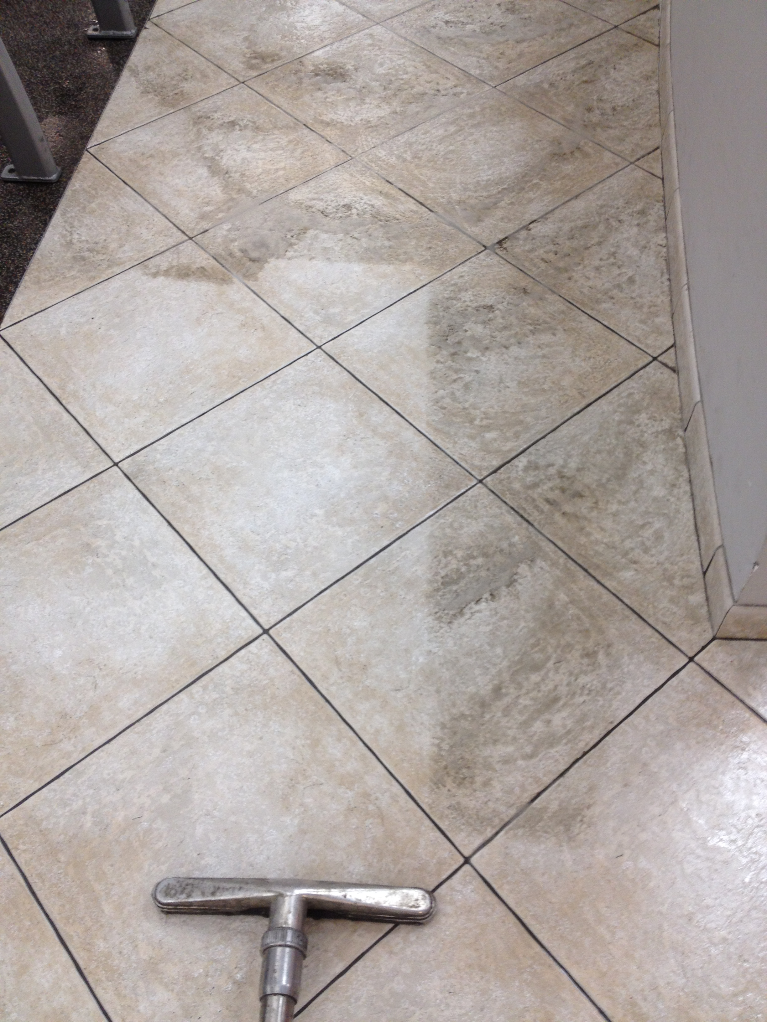 Ceramic tile cleaning scrub extraction of ceramic tile dailygadgetfo Choice Image